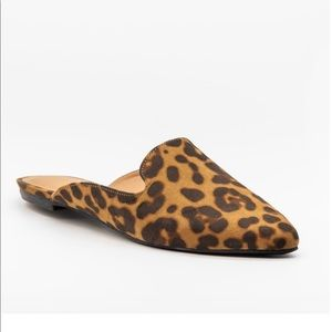 Posh Pointed Toe Loafer Mule Flats leopard new